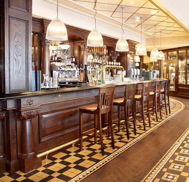 Arredamenti bar roma blog di falegnameriesumisura for Arredamento bar roma