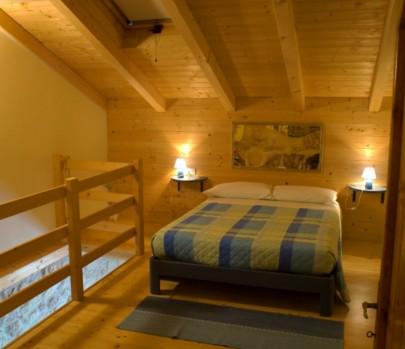 Falegnameria su misura arredo di montagna in abete su for Arredamenti per case di montagna